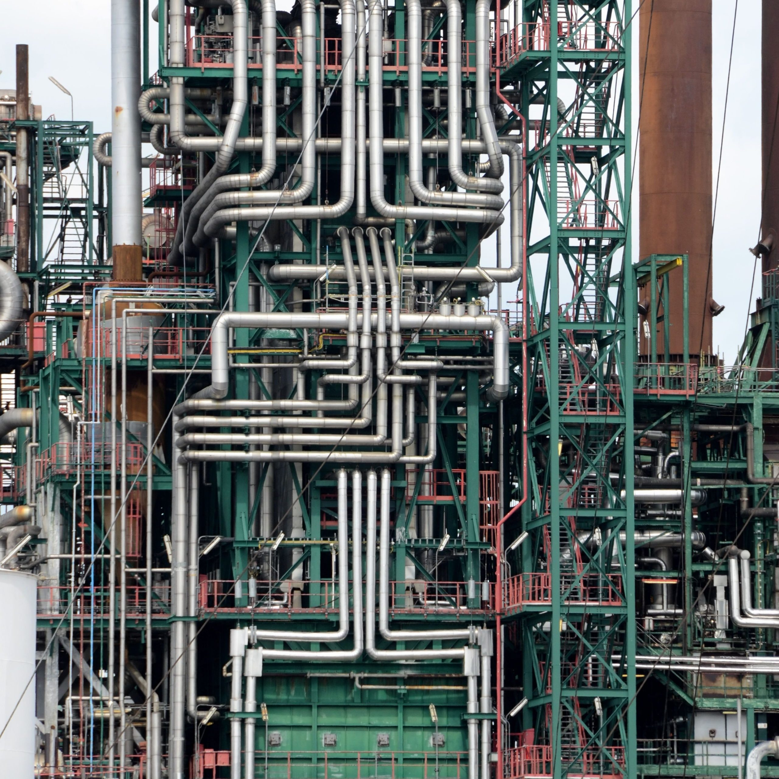 A well managed piping model.